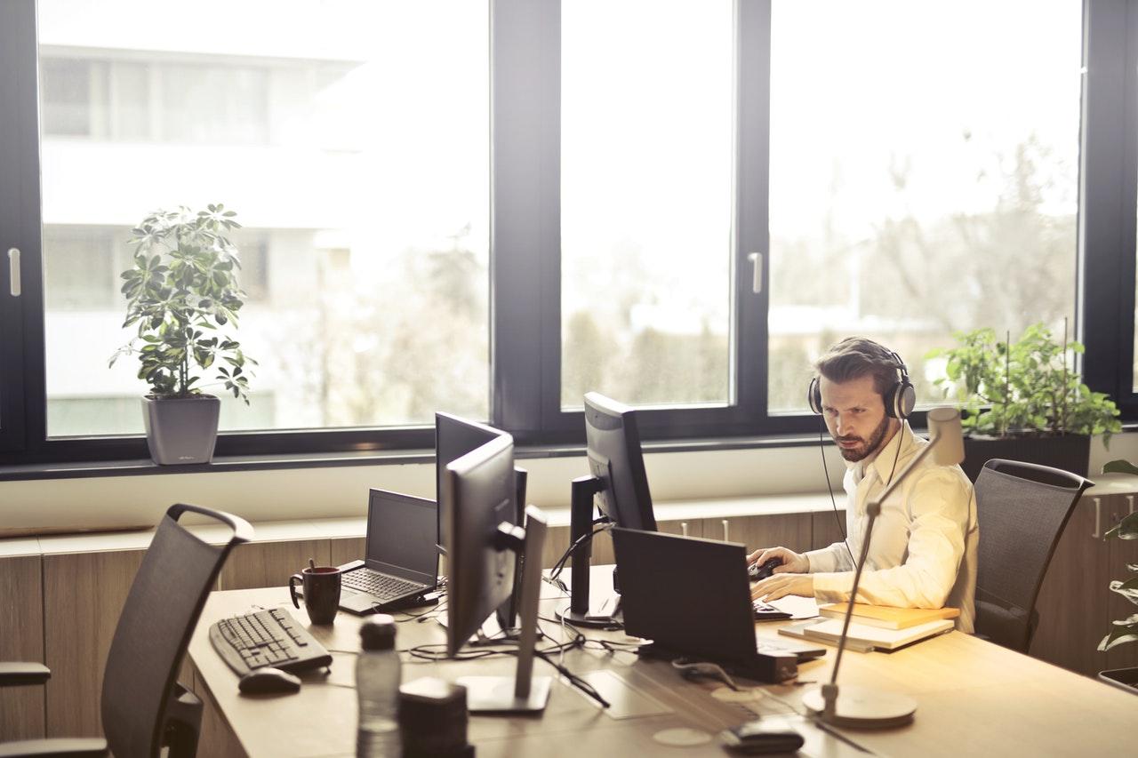 מחשבים ניידים ומחשבים נייחים לעסקים - offixIT
